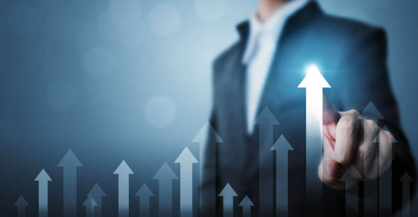 businessman-pointing-arrow-graph-corporate-future-growth-plan-increase-percentage 827px